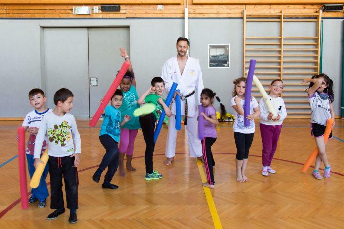 Karate Hofsteig Sport und Spass in der VS Dorf